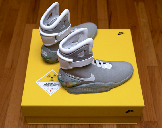 Nike Air MAG Marty McFly's